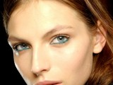 hot-2014-trend-12-ideas-to-rock-aqua-blue-eyeliner-2
