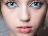 hot-2014-trend-12-ideas-to-rock-aqua-blue-eyeliner-4