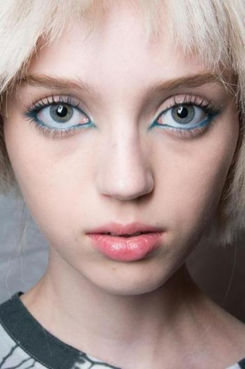 Hot 2014 Trend: 12 Ideas To Rock Aqua Blue Eyeliner