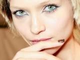 hot-2014-trend-12-ideas-to-rock-aqua-blue-eyeliner-6