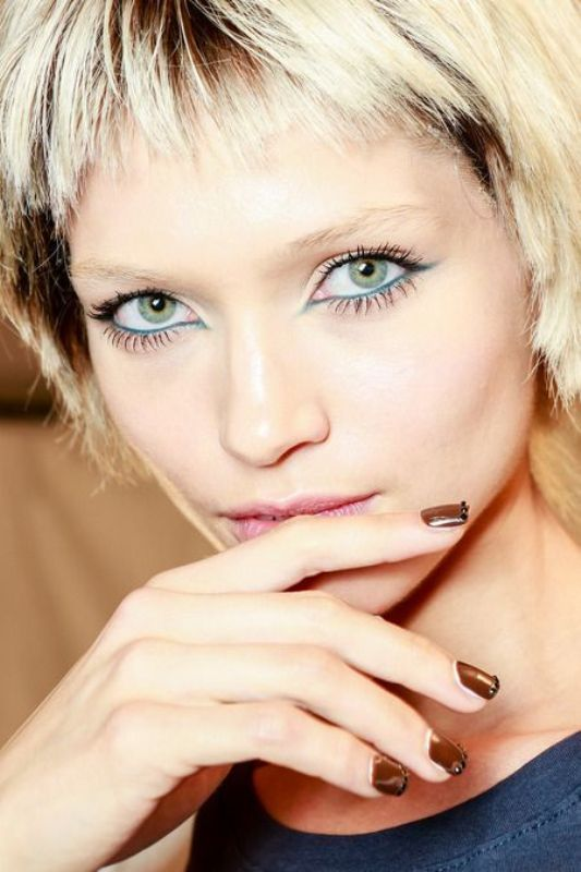 Picture Of hot 2014 trend 12 ideas to rock aqua blue eyeliner  6