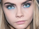 hot-2014-trend-12-ideas-to-rock-aqua-blue-eyeliner-9