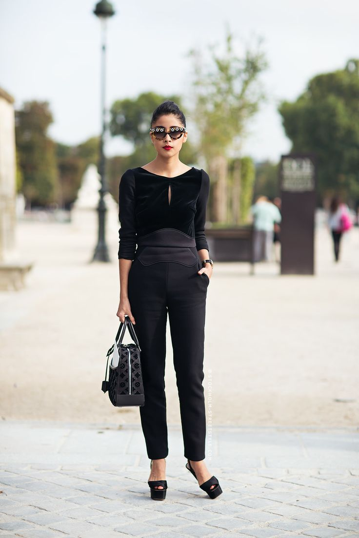 Picture Of hot total black looks for office  13