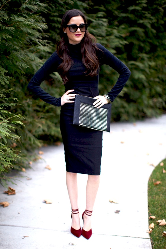 Picture Of hot total black looks for office  5