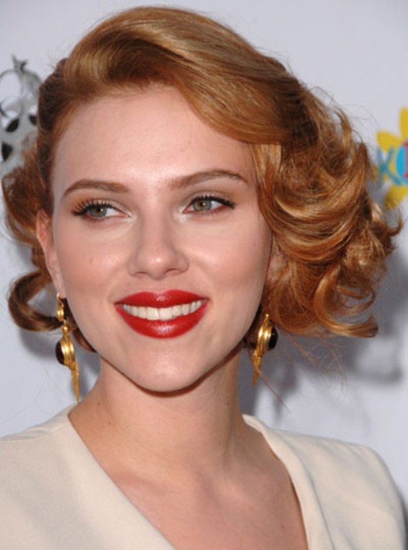Picture Of how to choose the righ red lipstick for your skintone  3