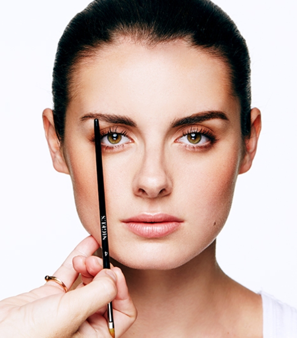 Picture Of how to get cara delevignes eyebrow look  2