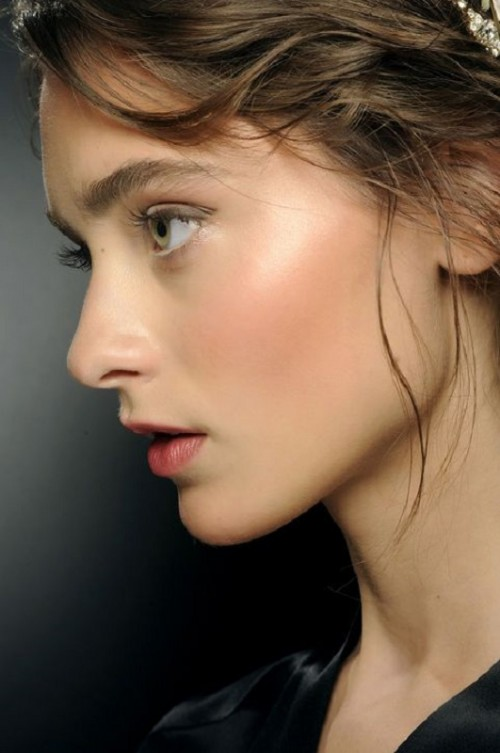 How To Get Gorgeous Dewy Skin: 3 Tricks And 10 Ideas