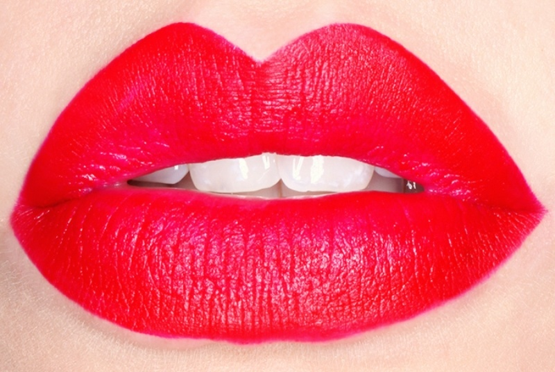 Picture Of how to get perfect red lips  3