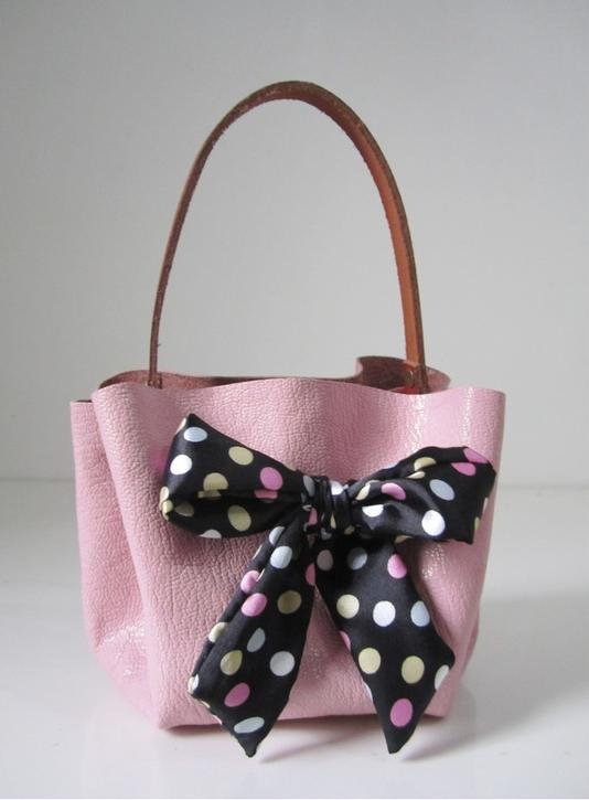 Picture Of how to make a handbag without sewing  5