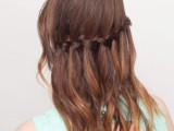 how-to-make-a-waterfall-braid-on-yourself-1