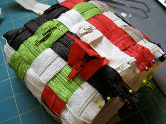 Picture Of how to make a wonderful zipper bag  4