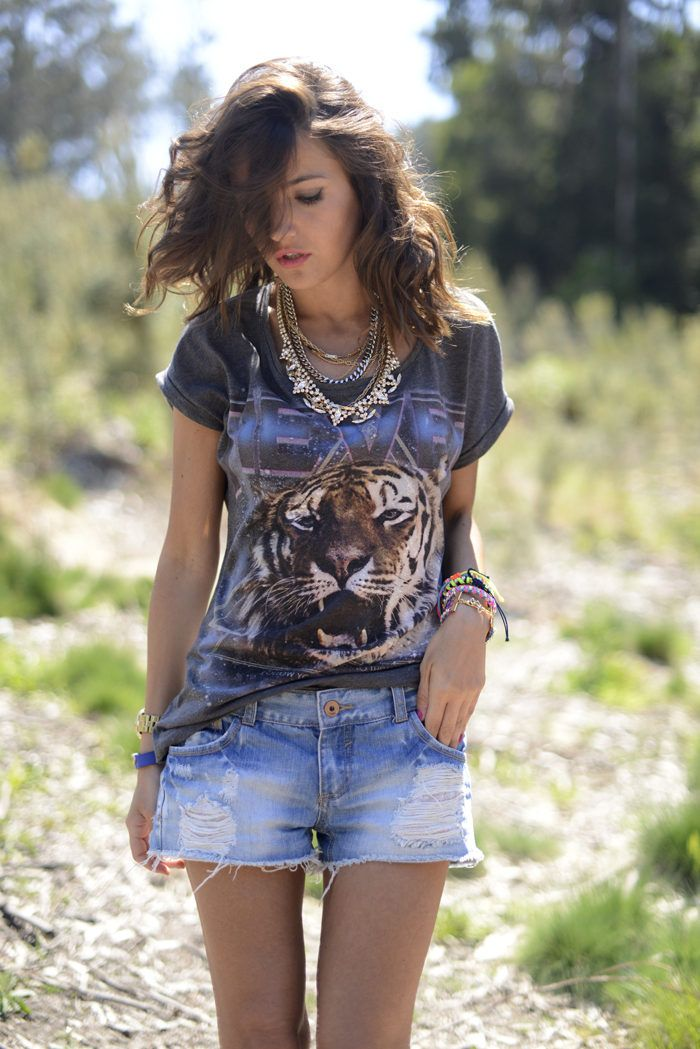 Picture Of how to rock graphic t shirts  11