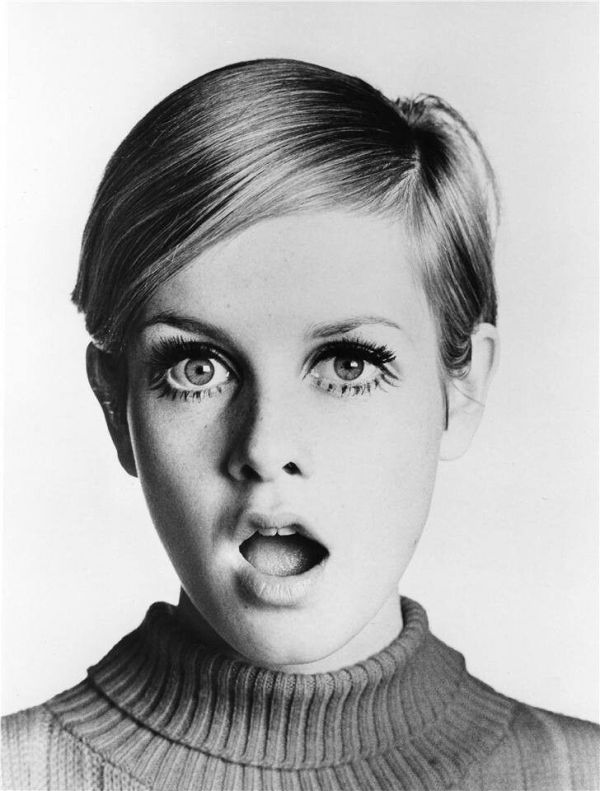Picture Of how to style twiggy makeup  1
