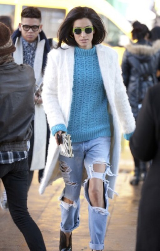 Picture Of how to wear distressed denim 21 stylish ideas  10