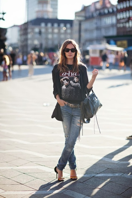 Picture Of how to wear distressed denim 21 stylish ideas  13