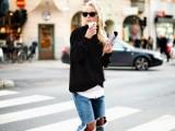 how-to-wear-distressed-denim-21-stylish-ideas-5