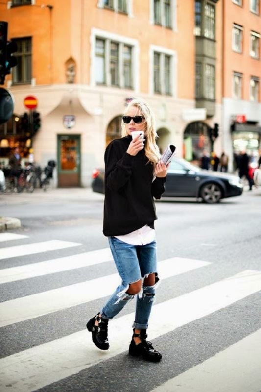 Picture Of how to wear distressed denim 21 stylish ideas  5