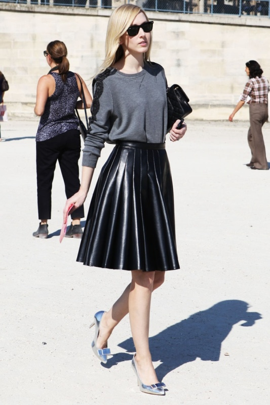 Picture Of how to wear leather skirt 23 great looks to get inspired  17