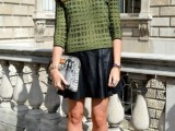 how-to-wear-leather-skirt-23-great-looks-to-get-inspired-2