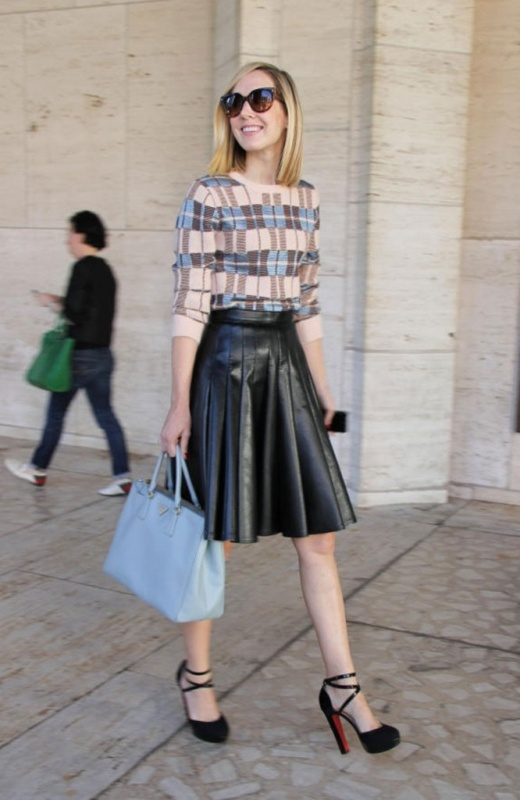 Picture Of how to wear leather skirt 23 great looks to get inspired  4