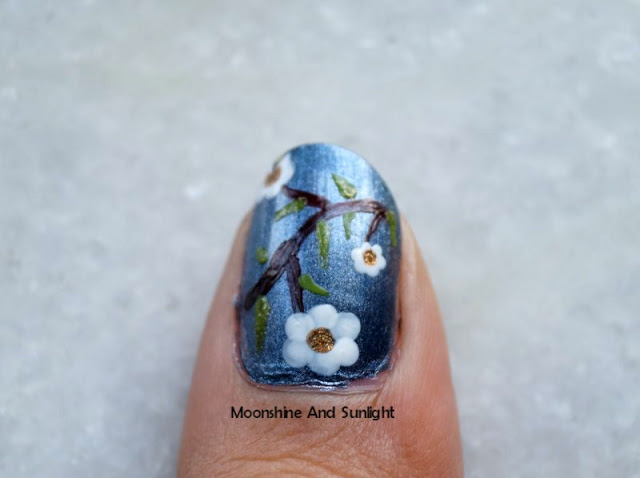 Picture Of impressive diy flowers on metal nail art  3
