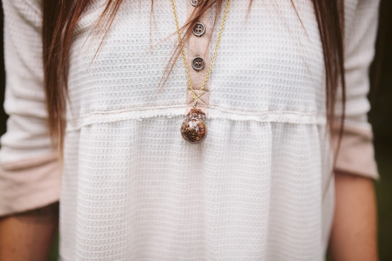 Picture Of incredible diy lavender oil necklace  3