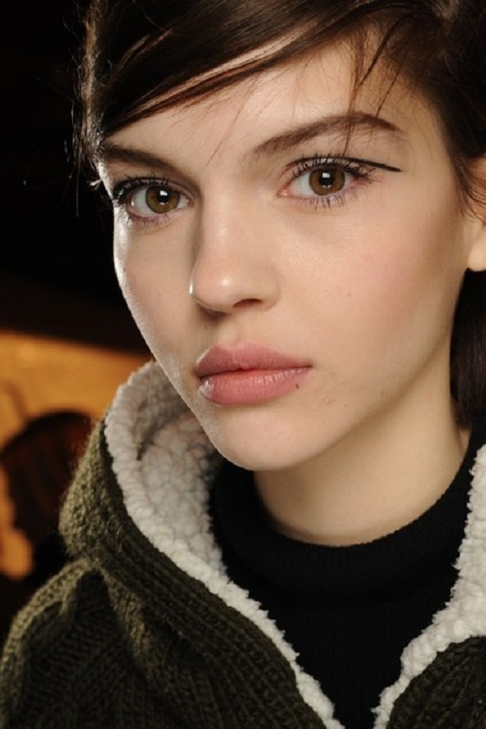 Picture Of inspiring autumnwinter 2013 14 beauty trends from fashion catwalks  10
