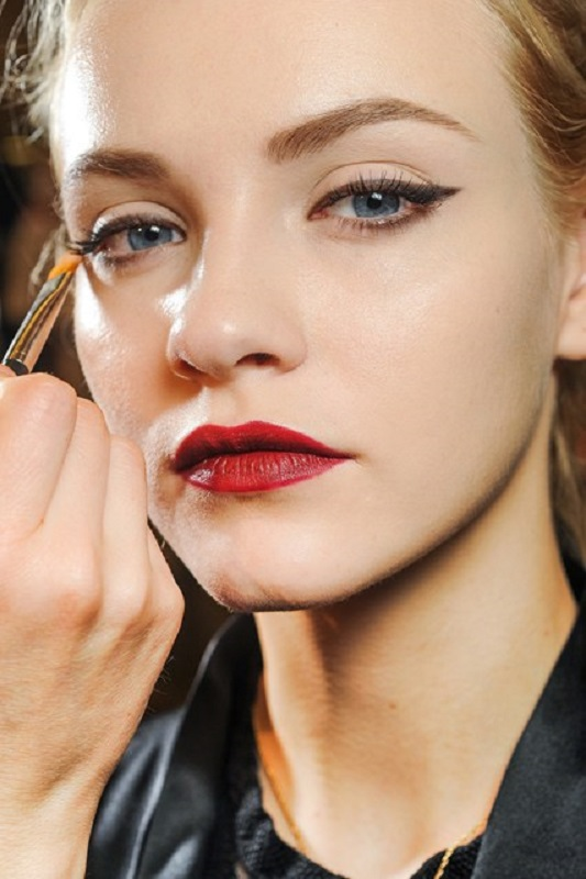 Picture Of inspiring autumnwinter 2013 14 beauty trends from fashion catwalks  17