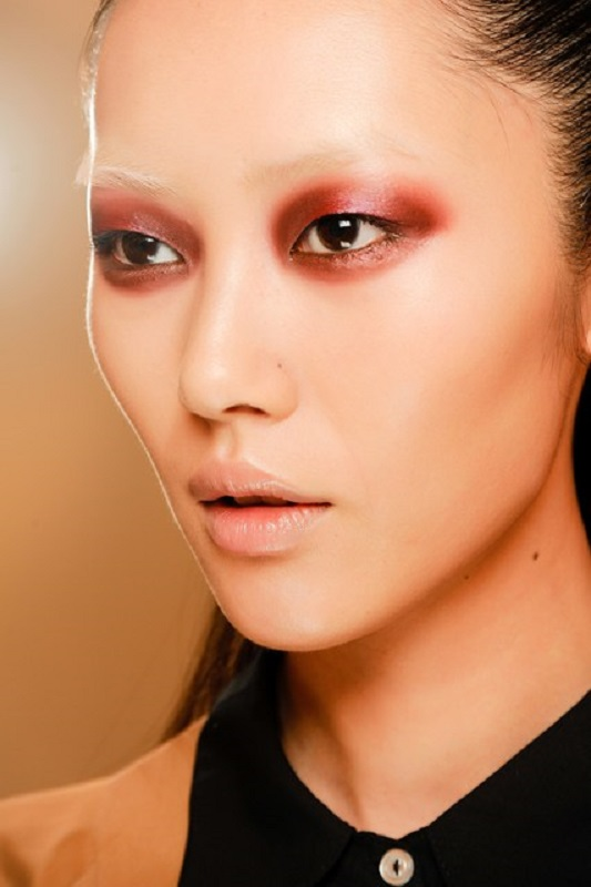 Picture Of inspiring autumnwinter 2013 14 beauty trends from fashion catwalks  3
