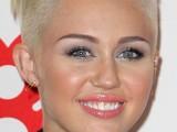 inspiring-celebrities-short-hairstyles-5