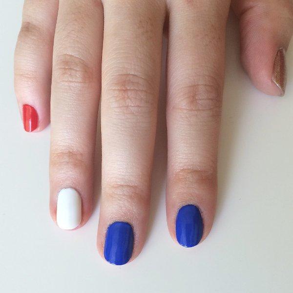 Picture Of joyful diy nautical nail art to make now  2