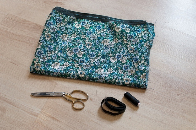 Picture Of lovely diy hand sewn brocade mini skirt for summer  2