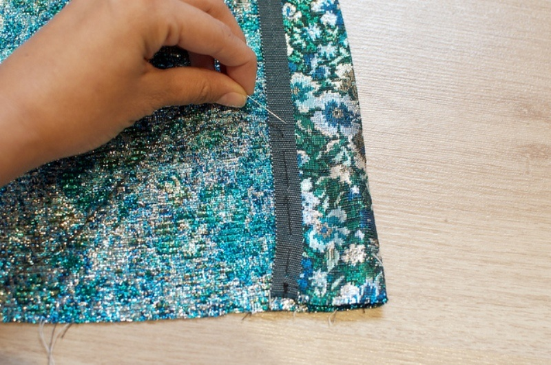 Picture Of lovely diy hand sewn brocade mini skirt for summer  4