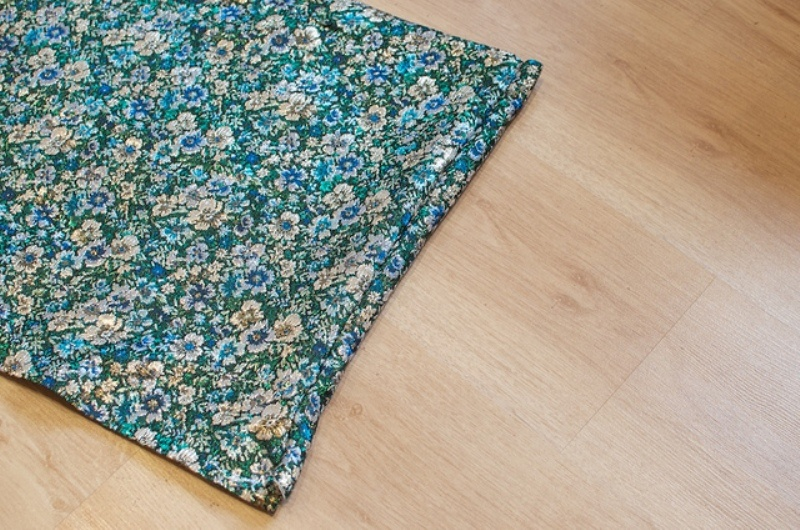 Picture Of lovely diy hand sewn brocade mini skirt for summer  6