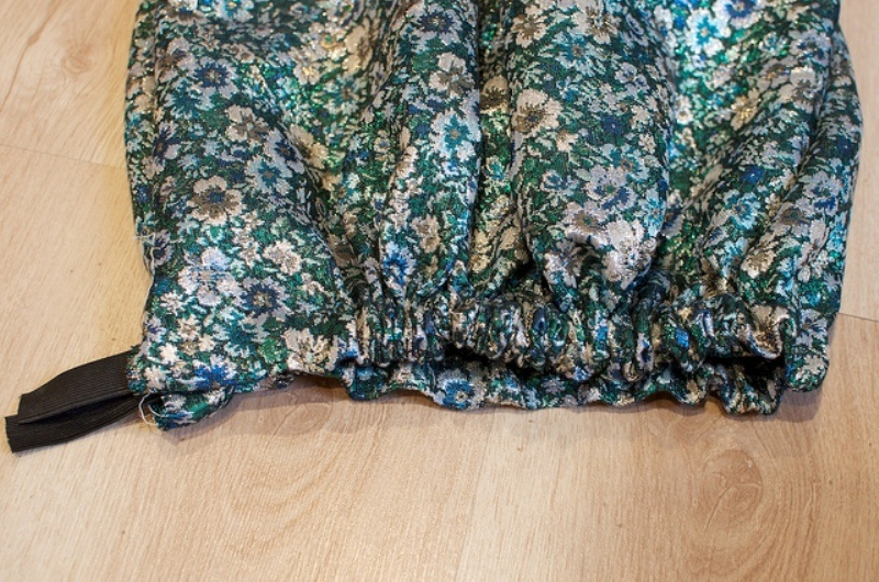 Picture Of lovely diy hand sewn brocade mini skirt for summer  8