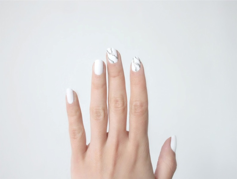 Picture Of luxurious diy marble manicure to try  1