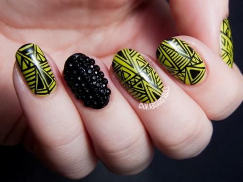 Marvelous DIY Wasabi And Caviar Fine Linework Nail Art
