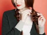 messy-yet-sophisticated-diy-braid-to-wear-under-a-hat-5