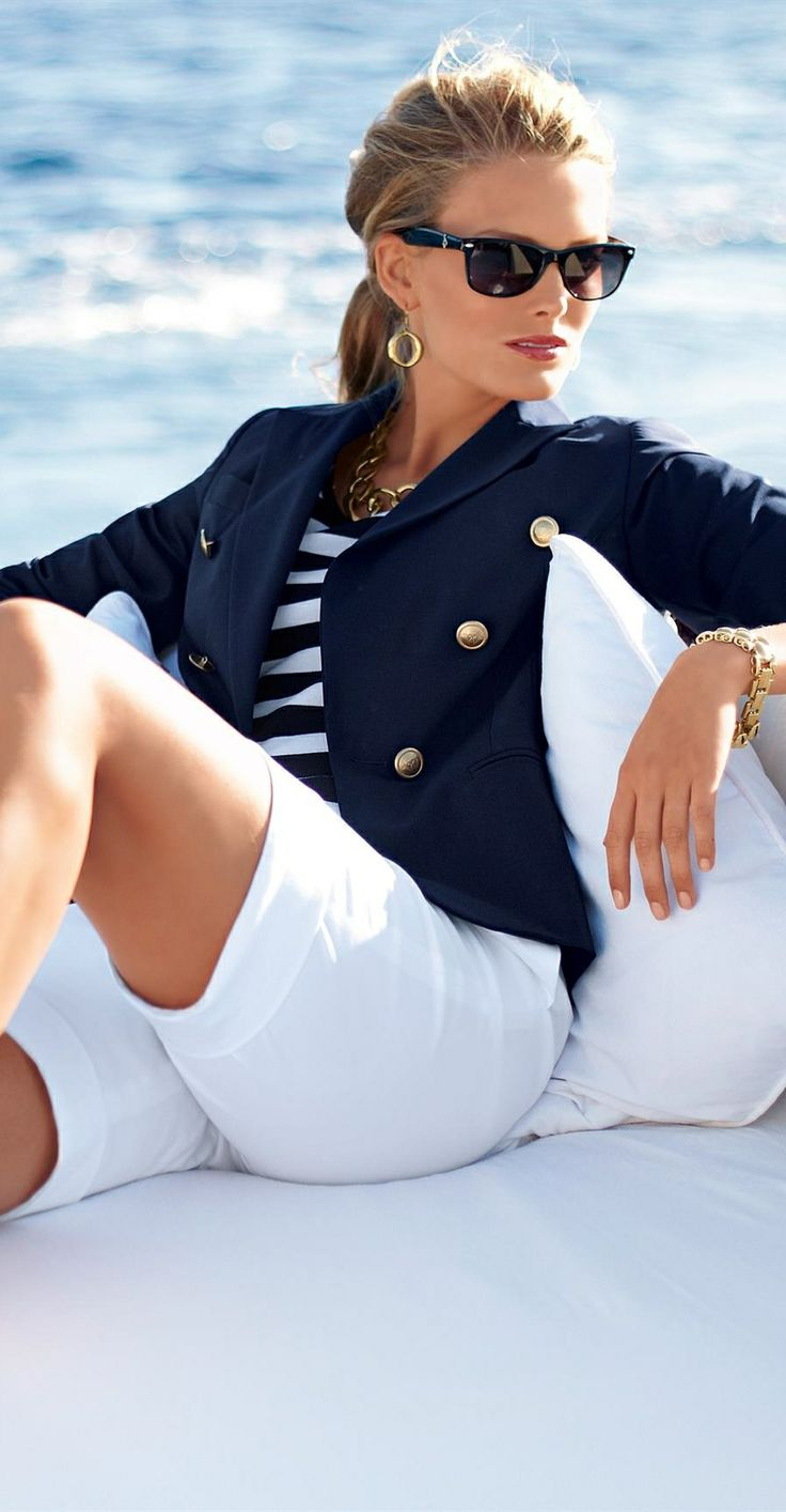 Picture Of nautical outfits for your vacation at the seaside  15