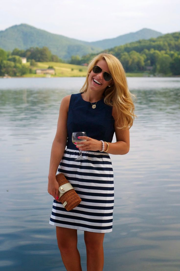 Picture Of nautical outfits for your vacation at the seaside  23