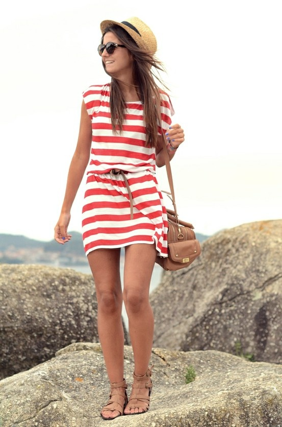 Picture Of nautical outfits for your vacation at the seaside  25