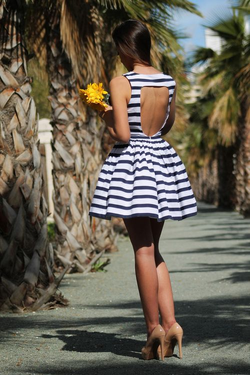 Nautical Outfits For Your Vacation At The Seaside
