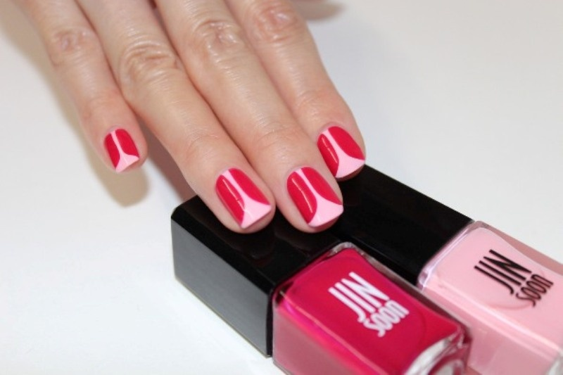 Picture Of playful diy tulip nail art to try  2