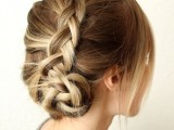 pretty-and-easy-diy-dutch-aka-inside-out-french-braid-1