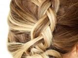 pretty-and-easy-diy-dutch-aka-inside-out-french-braid-3