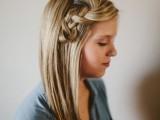 pretty-and-easy-diy-scrunched-braid-hairdo-4