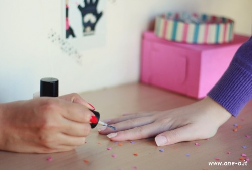 Pretty DIY Confetti Nail Art
