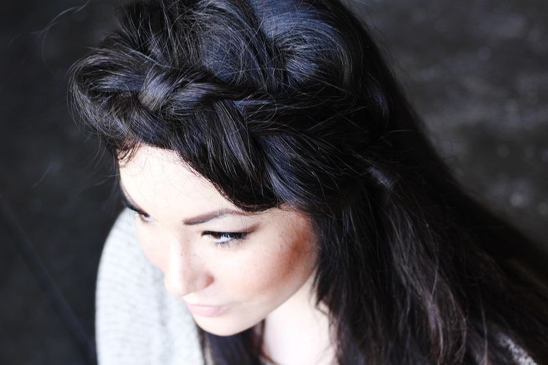 Picture Of pretty styling a side braid in two ways  6