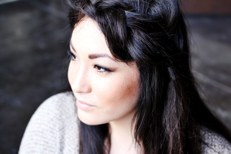 Picture Of pretty styling a side braid in two ways  7