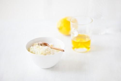 efficient citrus body scrub (via styleoholic)